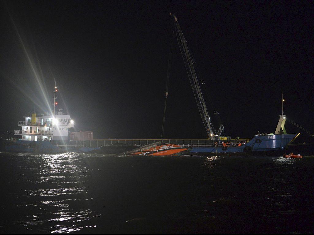 Kapal Tenggelam di Filipina, Korban Tewas Jadi 38 dan 15 Hilang