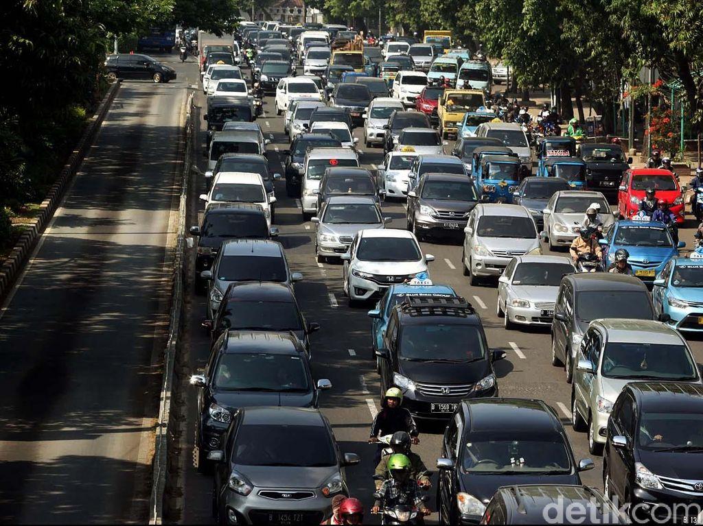 Jalintim di Bengkalis Macet Parah, Kendaraan Terjebak Hingga 5 Jam
