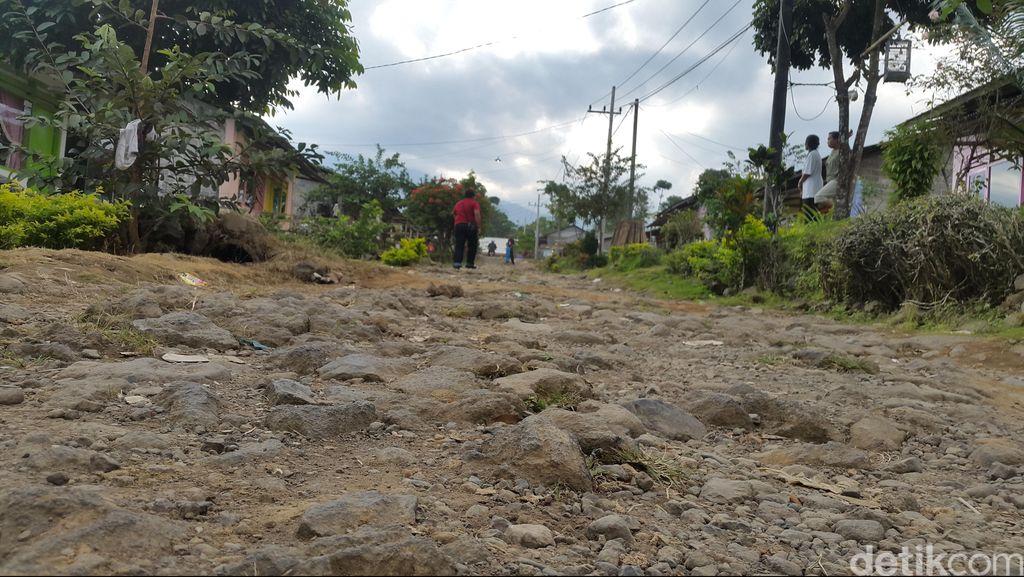Bupati Anas Tagih Janji BNPB Perbaiki Jalur Evakuasi Gunung Raung