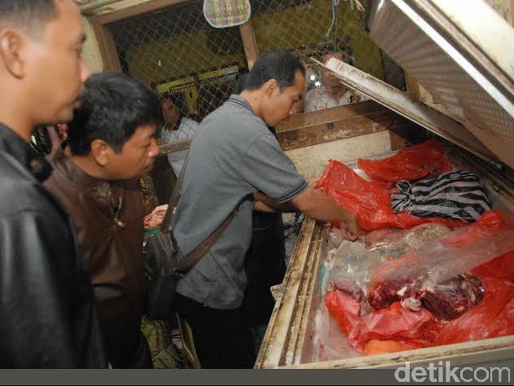 Waspadai Daging Sapi Busuk Beredar di Jombang