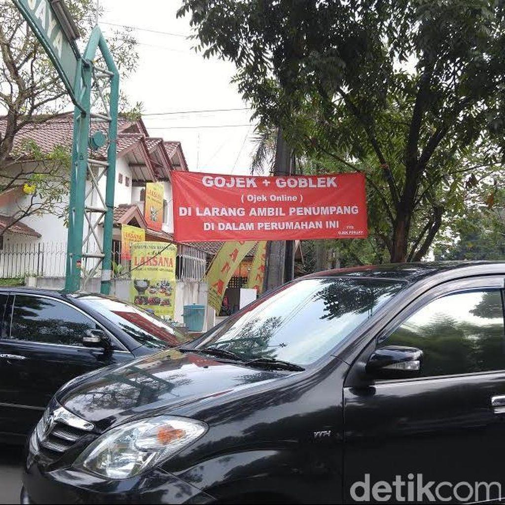 Entah Siapa yang Buat, Ada Spanduk Menolak Gojek di Pondok Jaya Bintaro