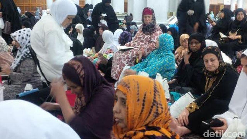 Tak Hanya Indonesia, di Aljazair untuk Berhaji Juga Antre Lama