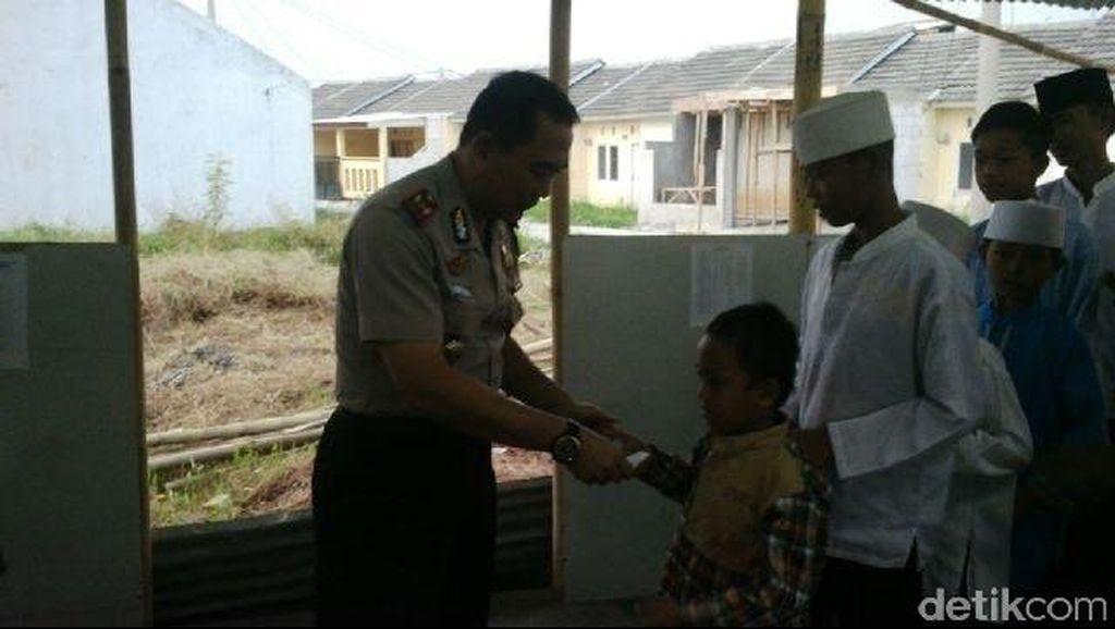 Rayakan HUT Polri, Polsek Sepatan Santuni Anak Yatim