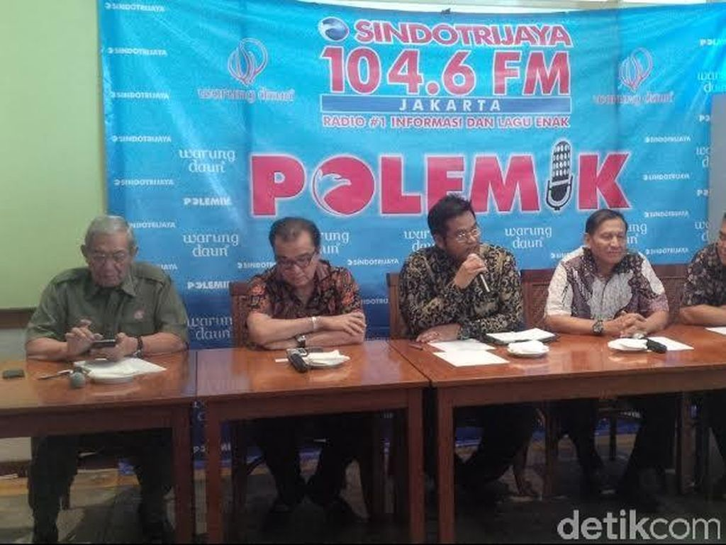 Kapuspen TNI: Kalau Ada Bus TNI yang Disewakan, Laporkan