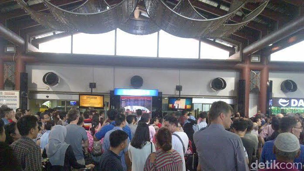 27 Penerbangan di Bandara Cengkareng Tertunda