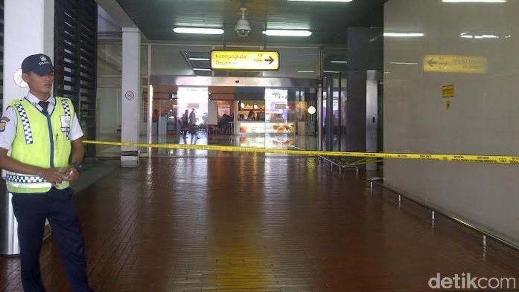 Terminal 2E Bandara Cengkareng Ditutup, Dipasangi Garis Polisi