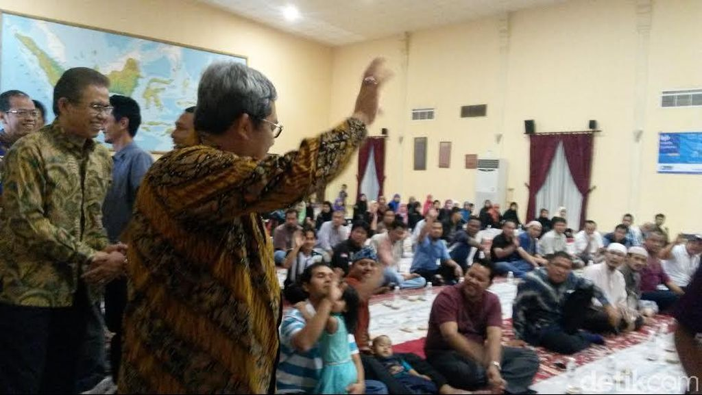 Buka Puasa Bersama di Jeddah, Aher Semangati Buruh Migran agar Kerja Keras