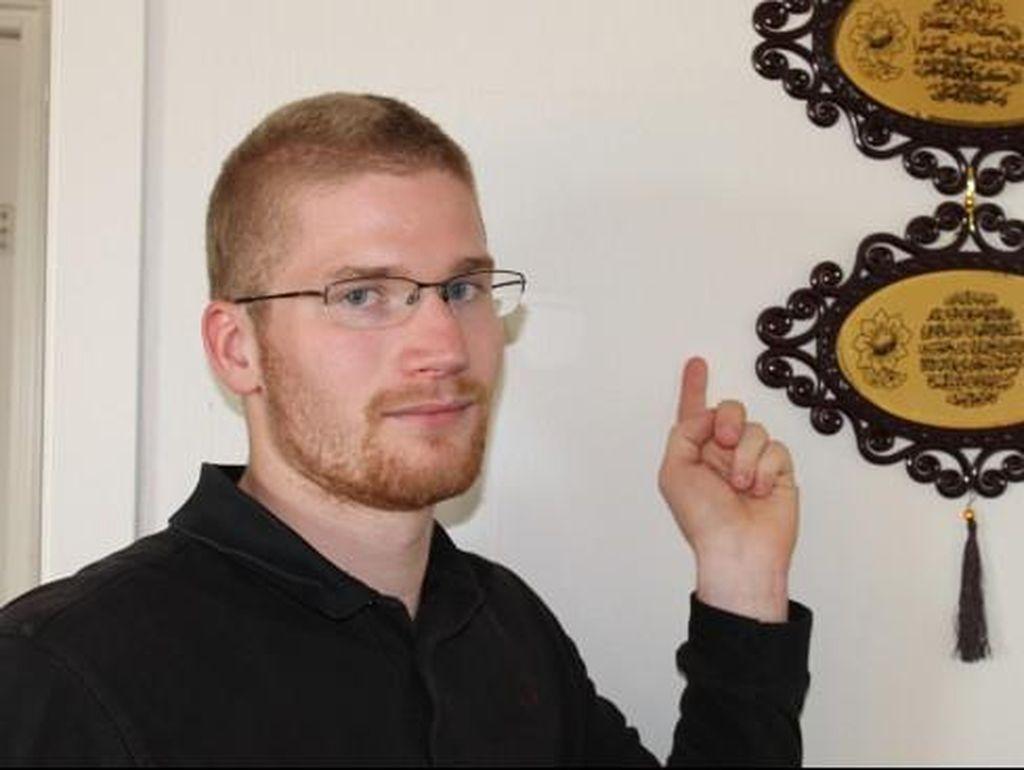 Kisah Abrahamsen, Jadi Mualaf Setelah Selamat dari Pembantaian di Norwegia