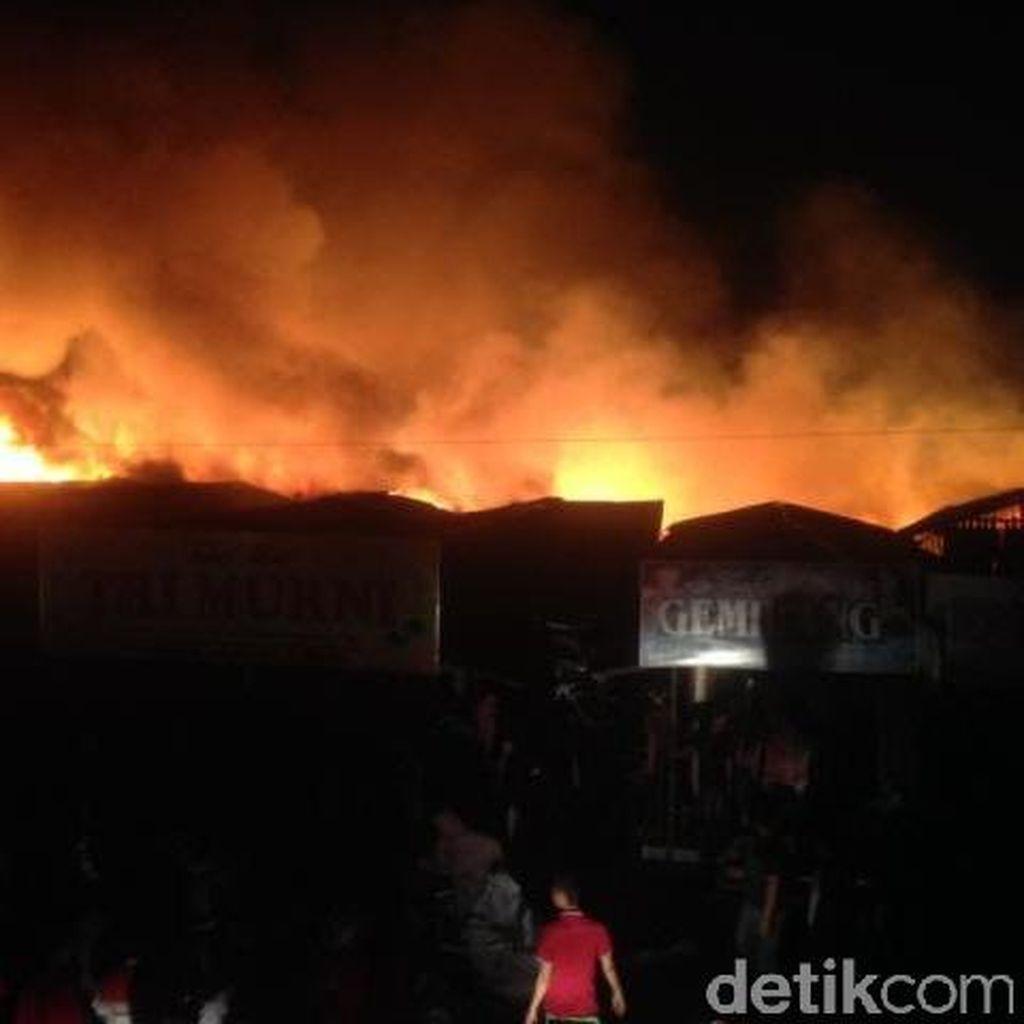 Polisi Tak Bisa Identifikasi Kebakaran Pasar Cik Puan Pekanbaru