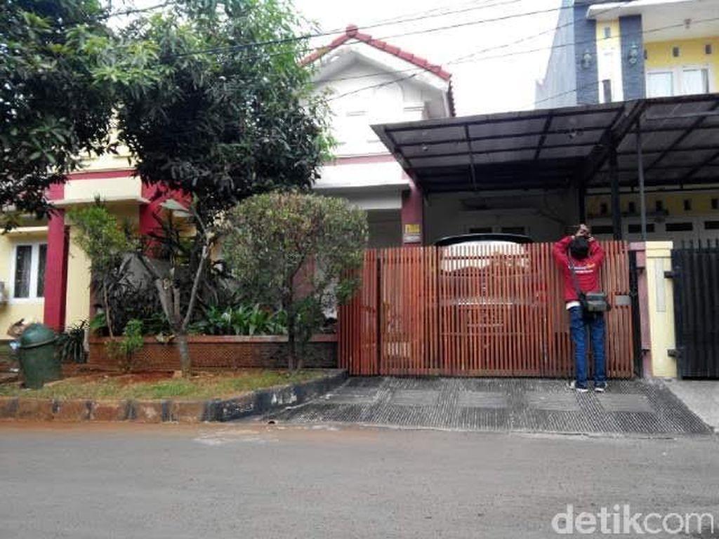 Rumah Kompol Apip Sepi, Ada Satpam KPK dan Petugas Kepolisian Berjaga