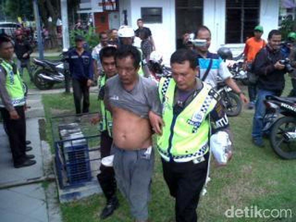 Bawa Narkoba, Penerobos Lampu Merah Kabur Tinggalkan Motor Saat Disetop Polisi
