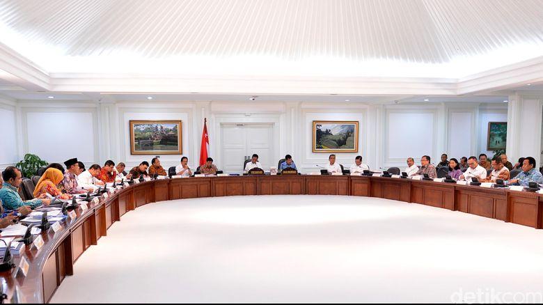 Begini Cerita Otak-atik Reshuffle Kabinet Jokowi