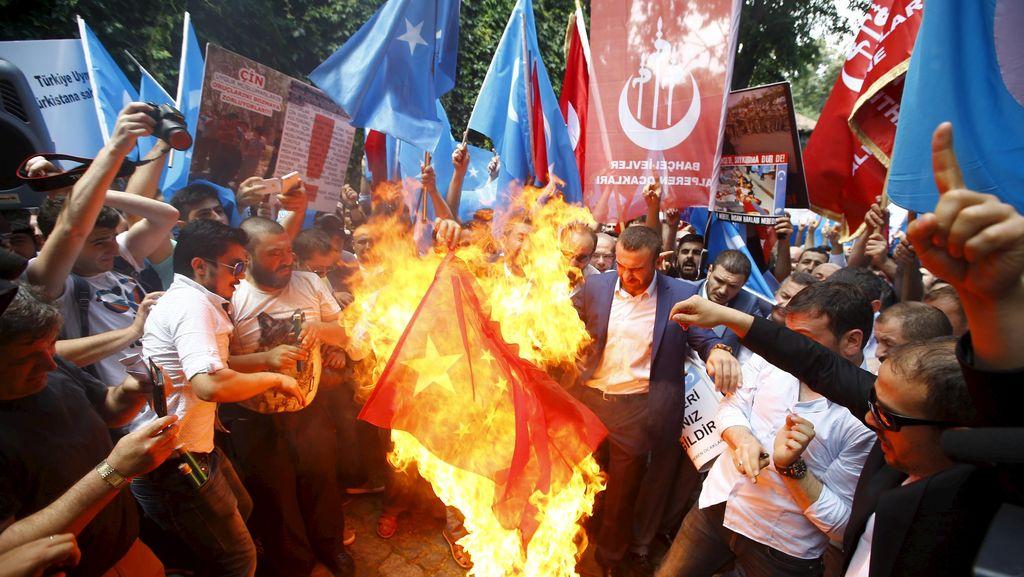 Deportasi Muslim Uighur ke China Diprotes, Ini Kata PM Thailand