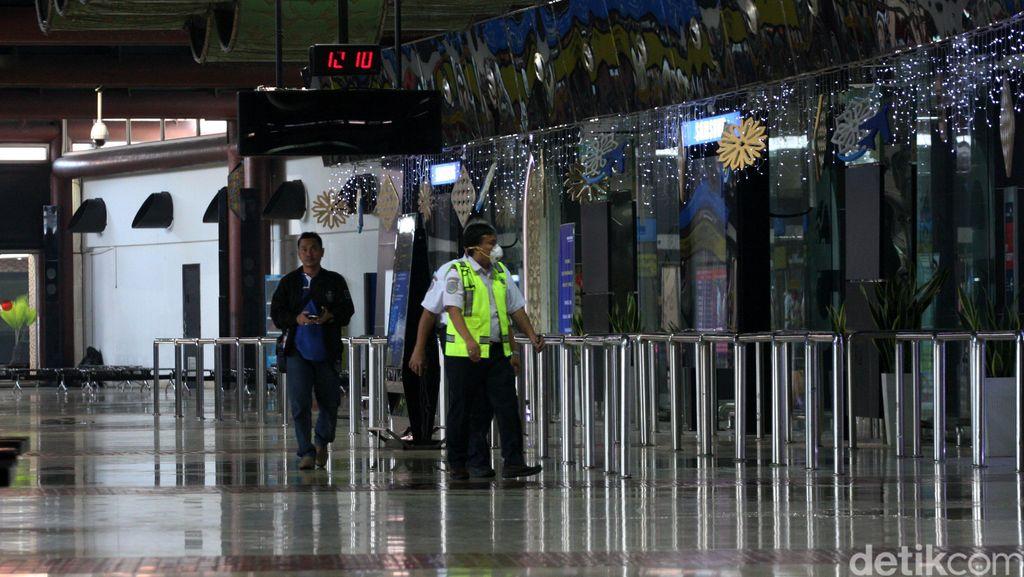 Diduga Stres, Mahasiswi Todongkan Softgun dan Ludahi Polisi di Bandara Soetta