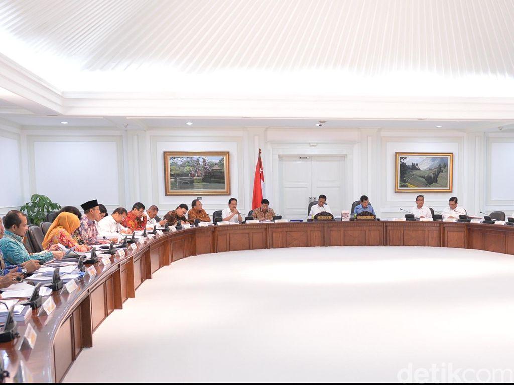 Jokowi Panggil Menteri Cari Solusi Atas Kekeringan