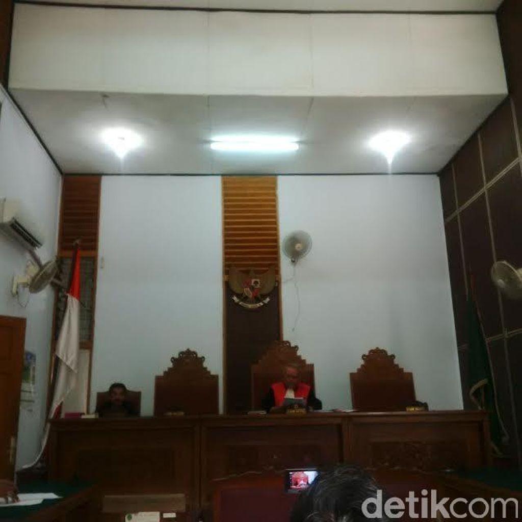 KPK Menang, Hakim PN Jaksel Tolak Praperadilan Eks Gubernur Papua