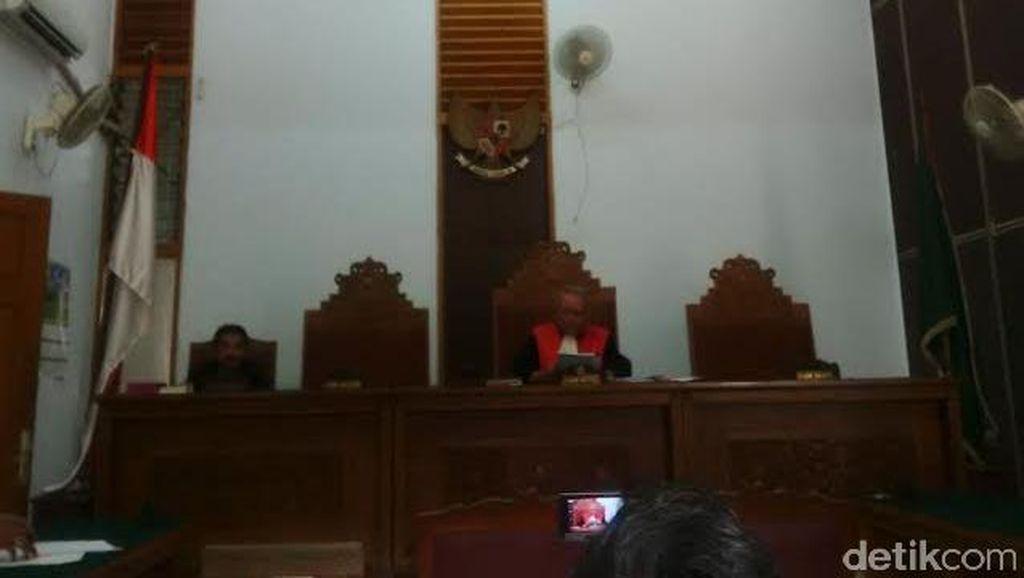 Praperadilan Ditolak, Eks Gubernur Papua Hormati Putusan Hakim