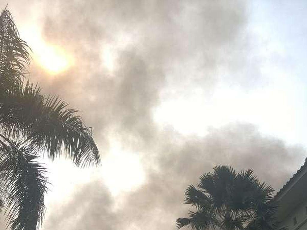 Permukiman di Kebon Kacang Terbakar, Pemadam Meluncur ke Lokasi