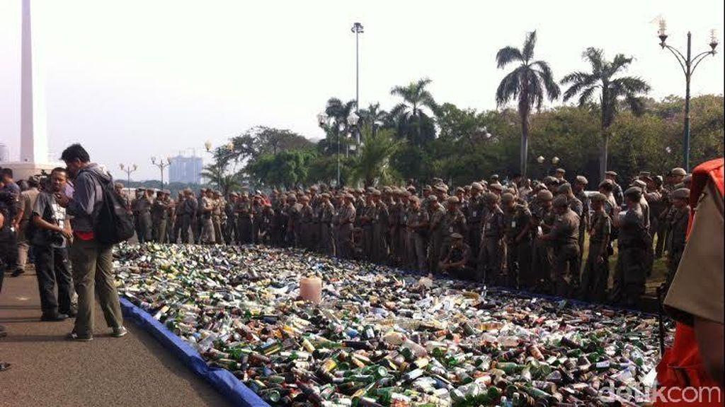 Wagub Djarot: Pedagang Miras yang Nekat Jualan Kita Serahkan ke Polisi
