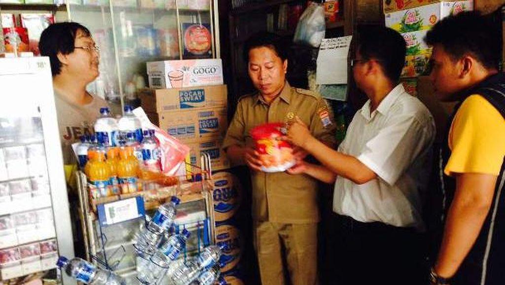 Antisipasi Peredaran Barang Kedaluwarsa, Polresta Palembang Sidak ke Pasar