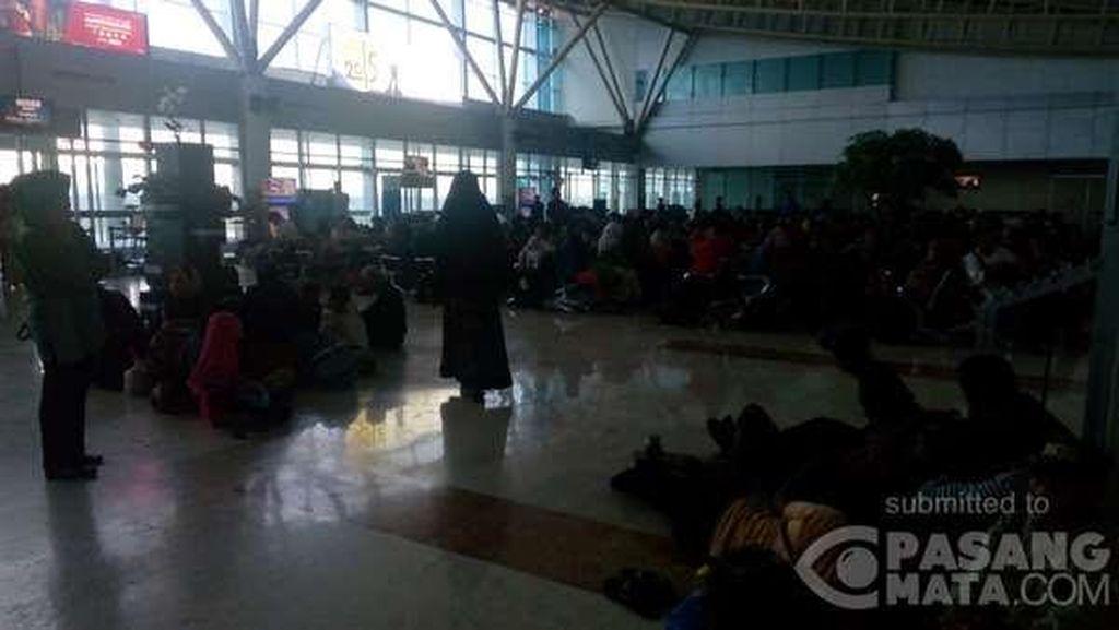 Bandara Selaparang Lombok Masih Ditutup Hingga Jumat Pagi