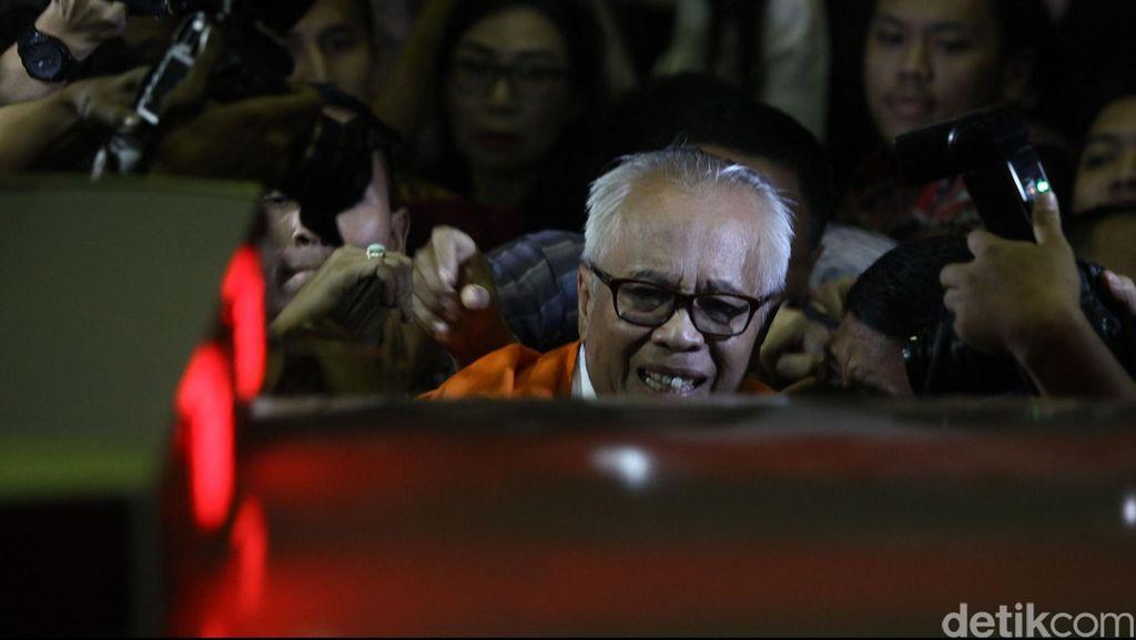 KPK Periksa OC Kaligis dan Ketua PTUN Medan