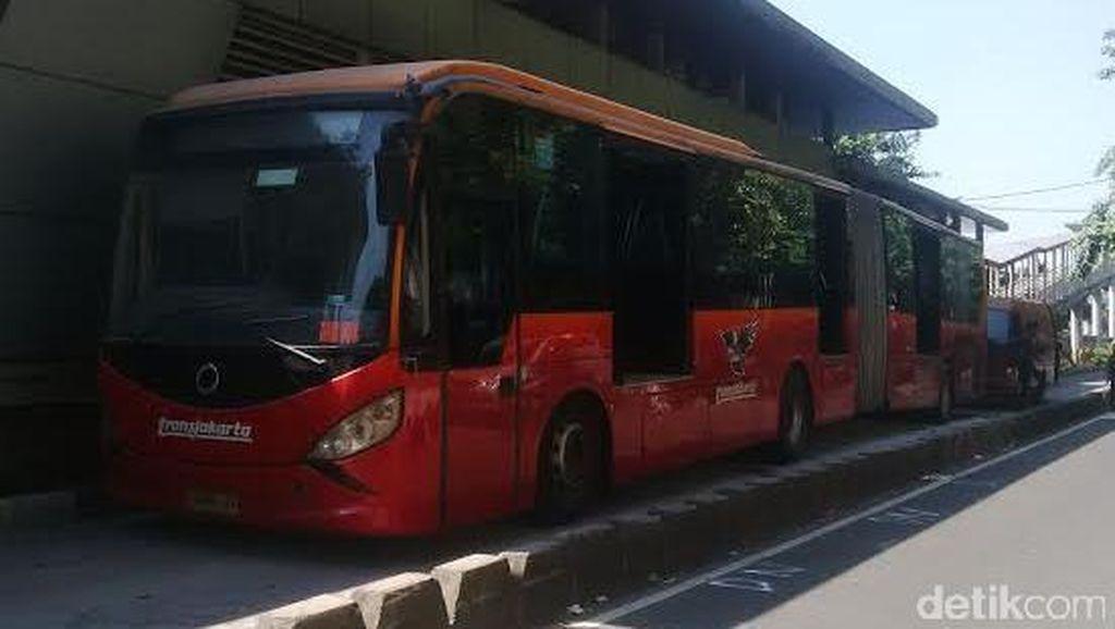 Bus Berasap di Jatinegara, PT TransJ Minta Semua Inobus Diperiksa