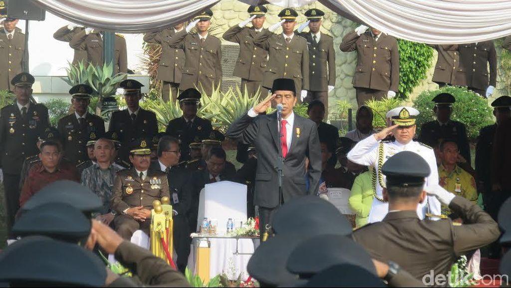 Jokowi Minta Kejaksaan Agung Evaluasi dan Koreksi Kinerja