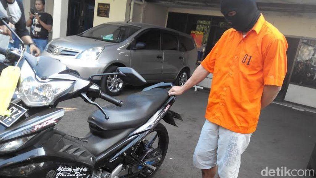 Maling di Cakung Tertangkap Polisi Saat Mendorong Motor