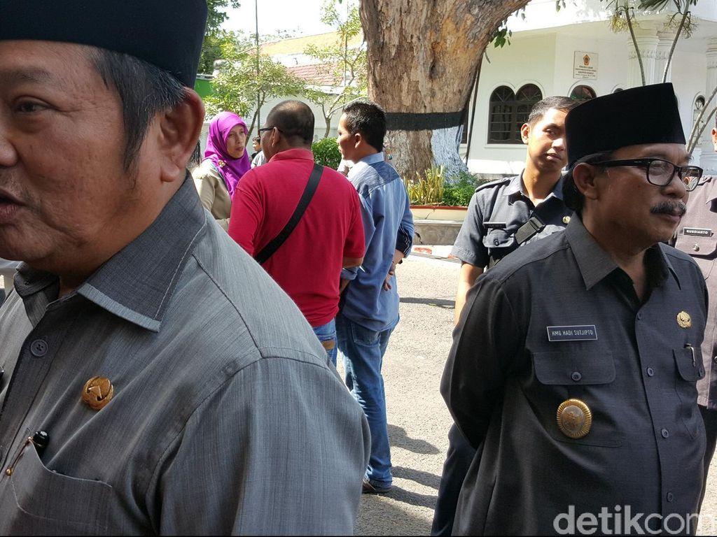 Pilkada Sidoarjo, Penantang Bupati Saiful Illah Daftar ke KPU