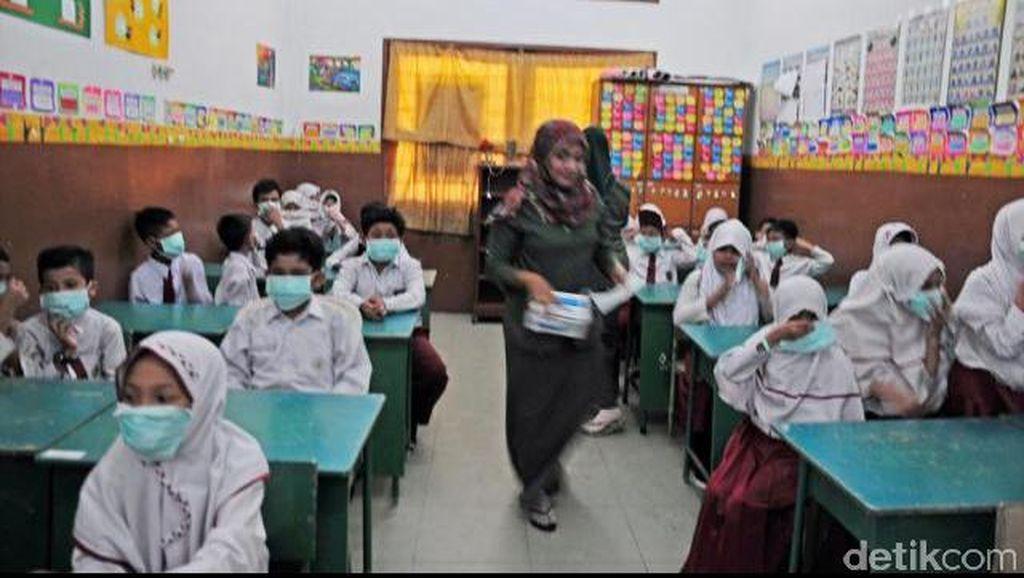 Dikepung Asap, SD Islam Terpadu Annur Pekanbaru Percepat Jam Belajar