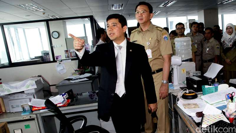 Menteri Yuddy Siap Pecat 2 PNS yang Tertangkap Jadi Calo