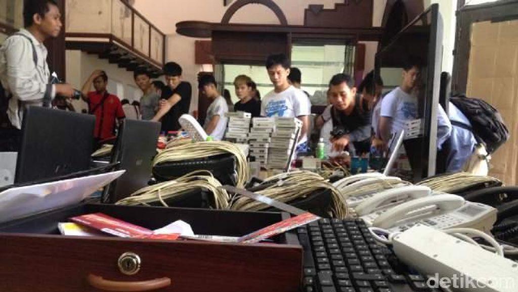 Sebelum Digerebek, WNA Pelaku Penipuan Online Sempat Rusak Barang Bukti