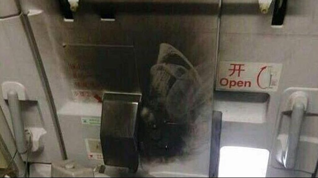Bakar Kabin Pesawat China, 1 Penumpang Ditahan