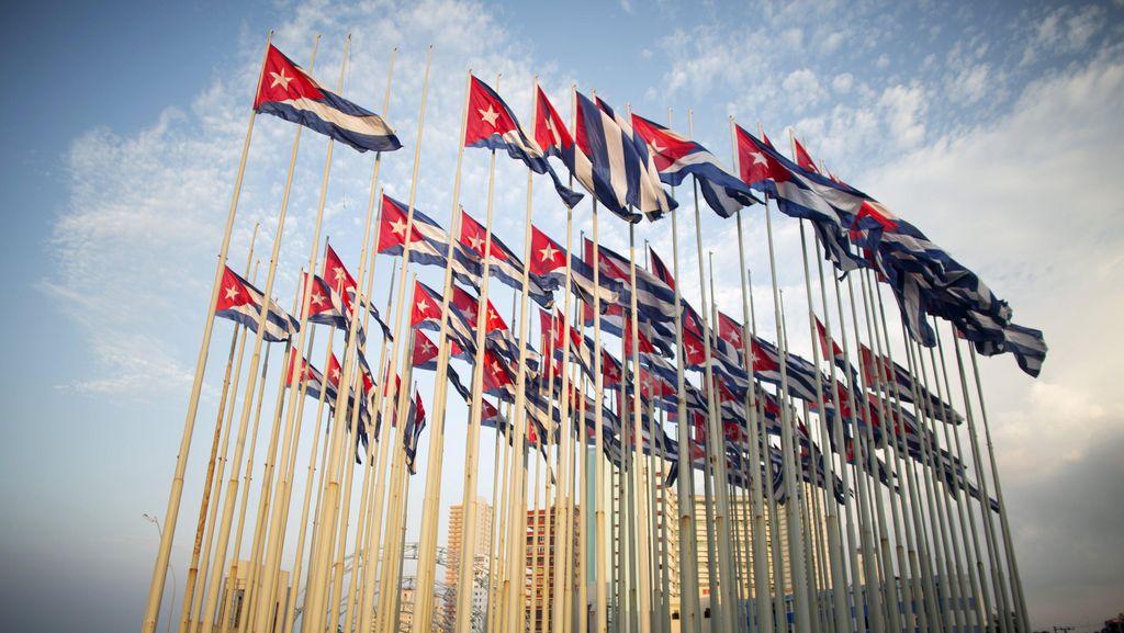 Bersejarah! Menlu Kerry Kibarkan Bendera AS di Havana