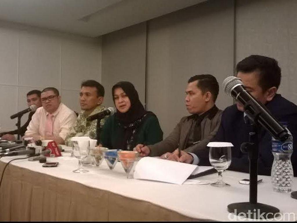 Usai Diperiksa KPK, Gubernur Gatot dan Istri Mudanya Gelar Jumpa Pers