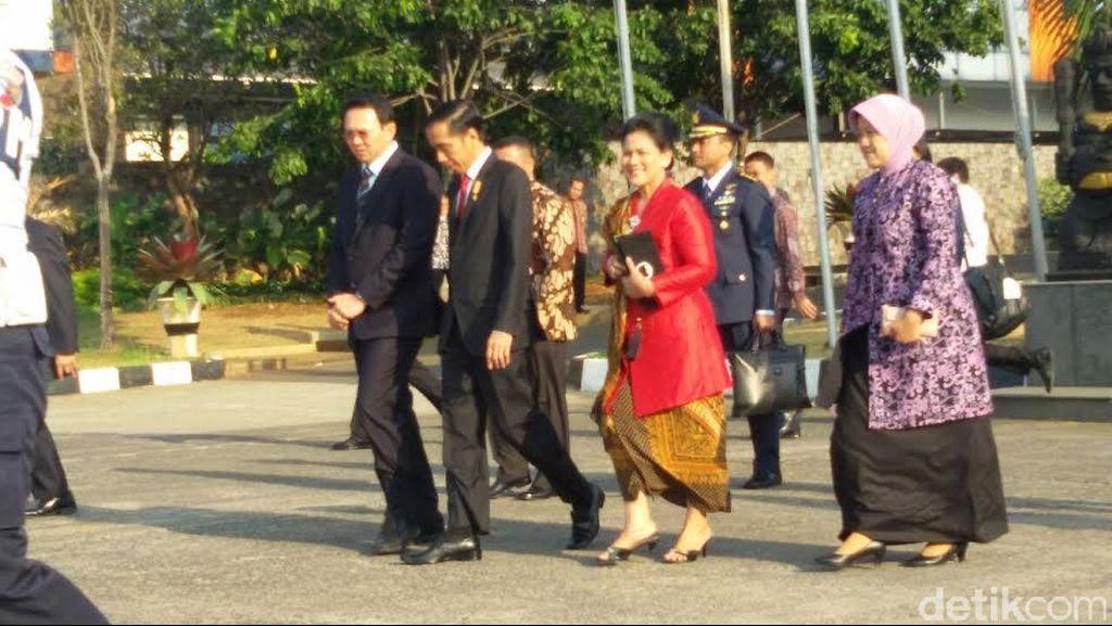 Diantar Ahok ke Halim, Jokowi Bawa Rombongan Menteri ke Singapura