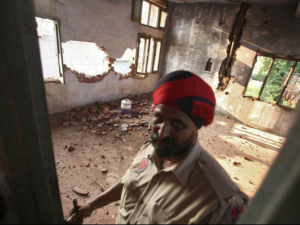 Granat Buatan China Dipakai dalam Penyerbuan Kantor Polisi India
