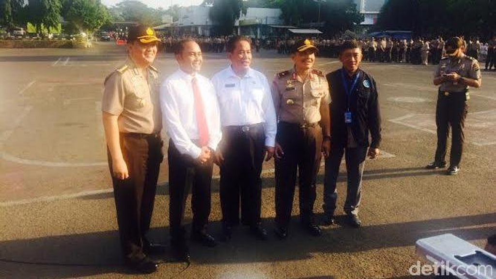 BNN Beri Penghargaan ke Ditnarkoba Polda Metro Atas Pengungkapan 360 Kg Sabu