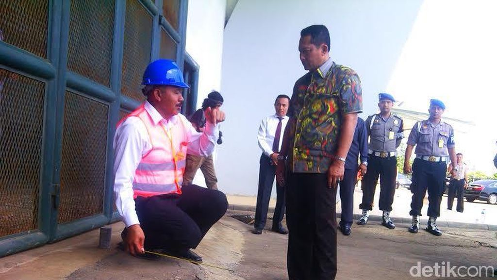 Ridwan Kamil Bilang Stadion GBLA Aman, Buwas: Apa Kita Nunggu Korban Jiwa?