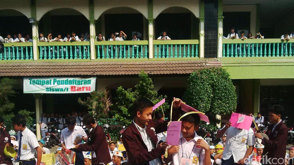 Temukan Perpeloncoan Berbau Komersil di 2 SMK Tangerang, Mendikbud Geram
