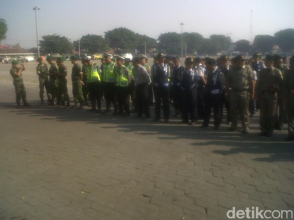 Tertibkan PKL Alun-Alun Utara Yogya, Ratusan Personel Gabungan Dikerahkan