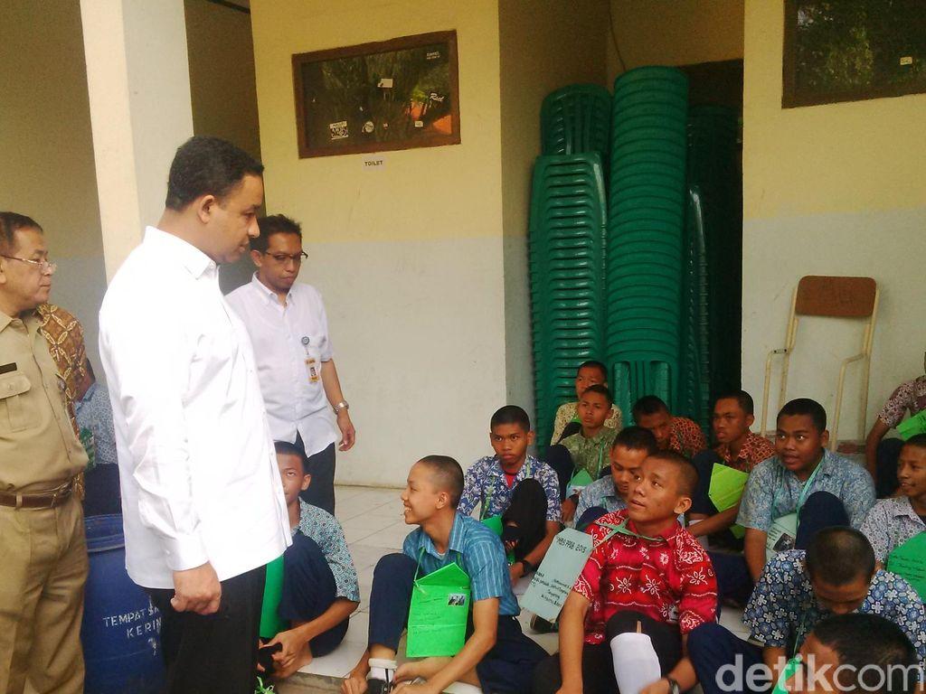 Mendikbud Anies Tegaskan Sanksi pada Sekolah yang Masih Gelar Perploncoan