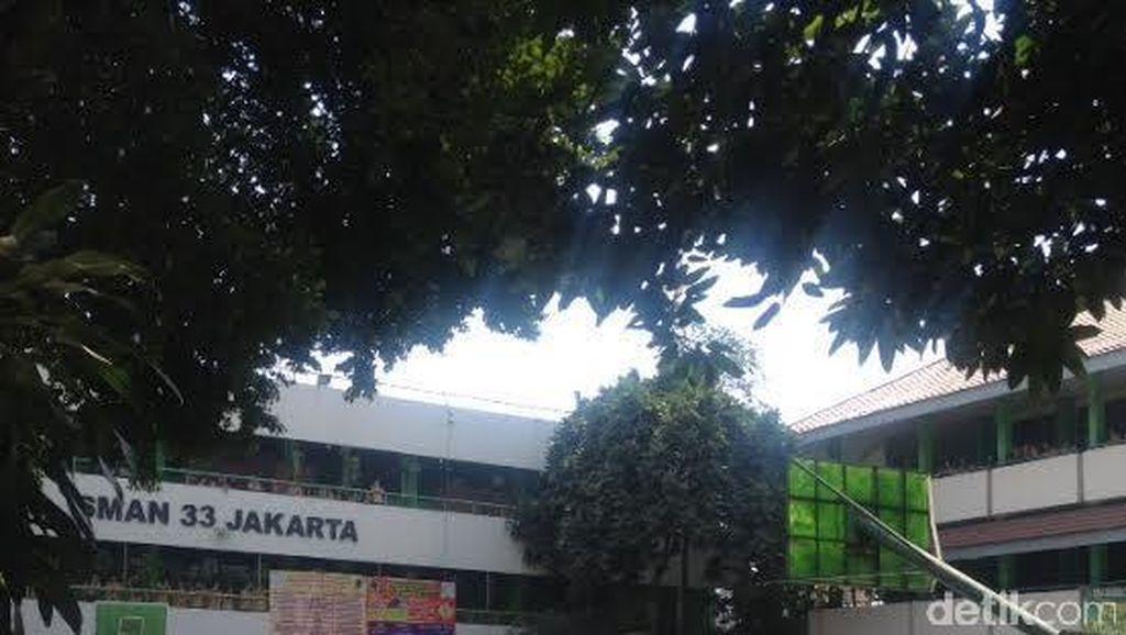 Nihil Perpeloncoan, Siswa SMA di Cengkareng Isi MOS dengan Lomba Abang None