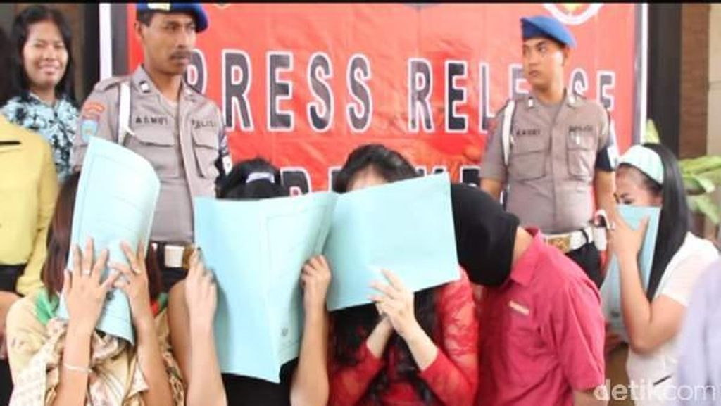 Polisi Amankan 5 Mahasiswi Bertarif Rp 2 Juta dan Germo di Medan