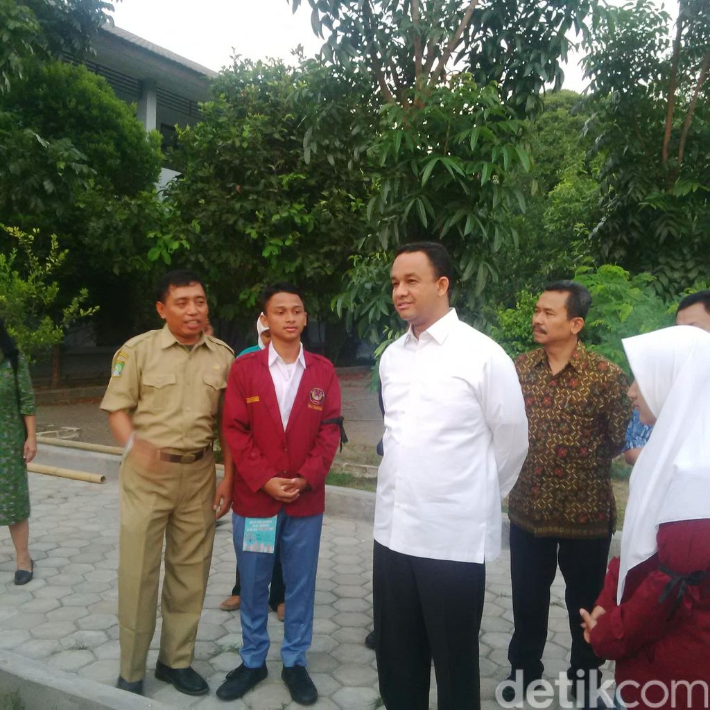 Sidak ke Tangerang, Mendikbud Minta Siswa Baru Cabut Atribut Ospek