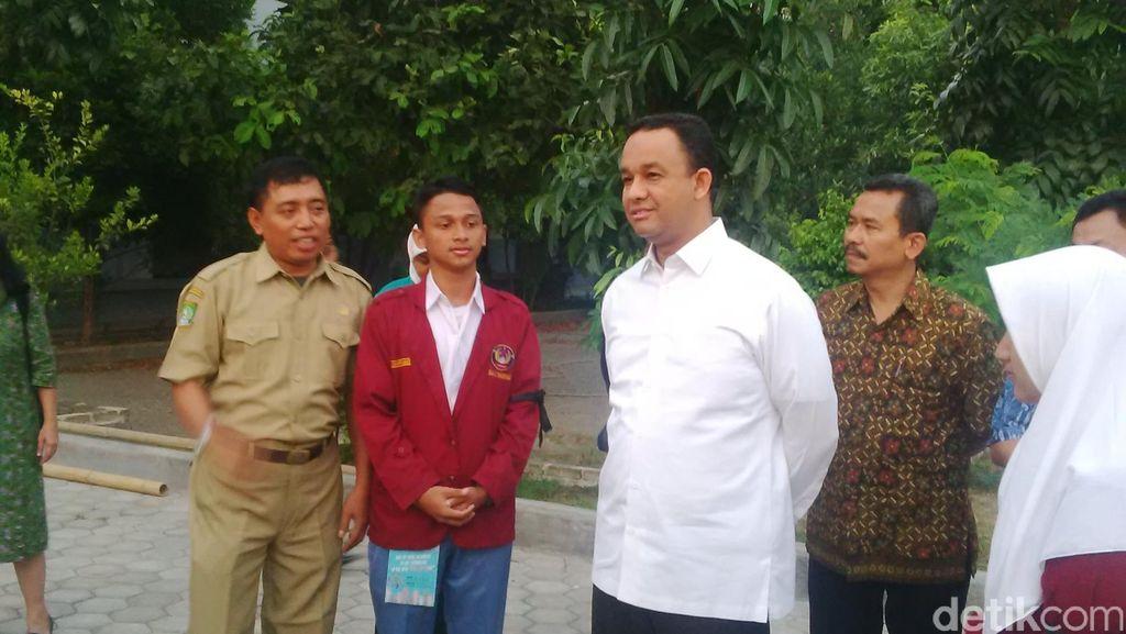 Sidak ke Tangerang Mendikbud Anies Ingatkan Fungsi MOS ke Para Guru