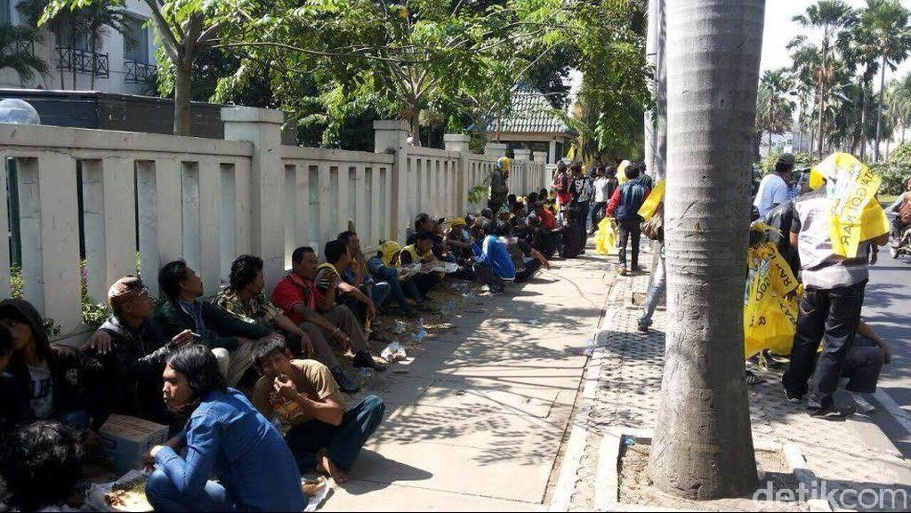 Musda DPD Golkar Kabupaten Bekasi Didemo AMPG, Polisi Amankan 2 Kubu