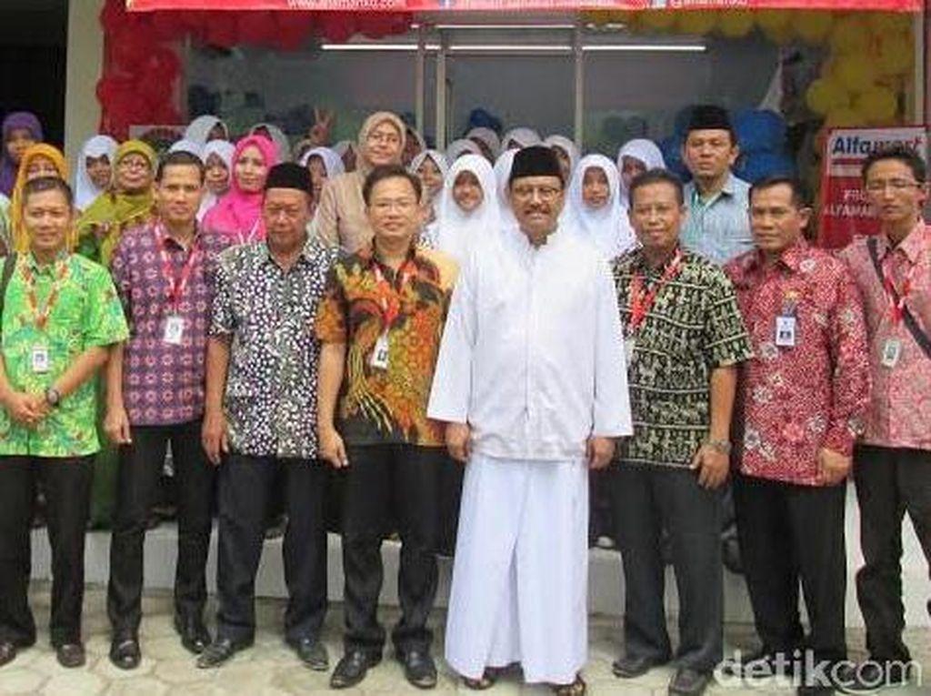 Laboratorium Ritel SMK Bisri Syansuri Diresmikan Wagub Jatim
