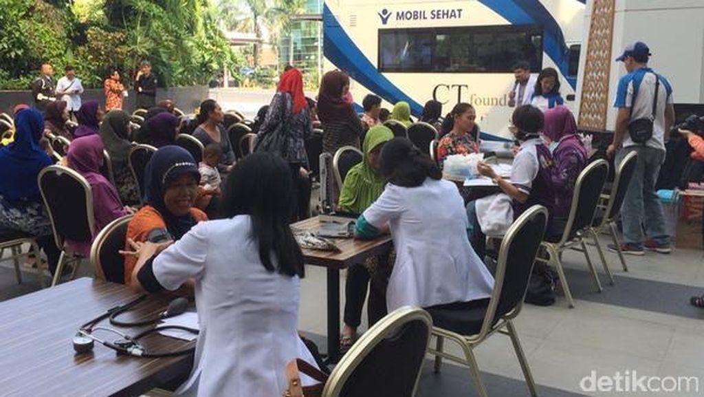 Mobil Sehat CT Foundation Gelar Pengobatan Gratis di Bandung